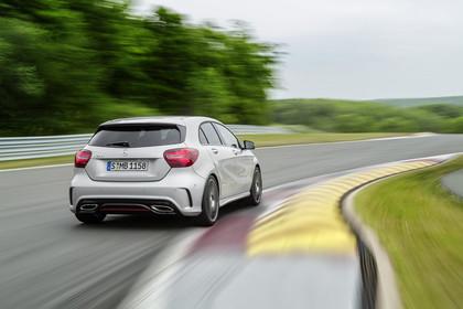 Mercedes A-Klasse W176 Aussenansicht Heck dynamisch silber