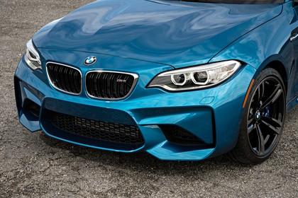 BMW 2er M2 Coupe F87 Aussenansicht Detail Front statisch blau