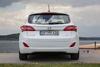 Hyundai i30 Kombi GD/GDH Aussenansicht Heck statisch weiss