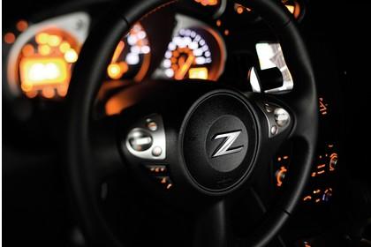 Nissan 370Z Z34 Innenansicht statisch Detail Lenkrad