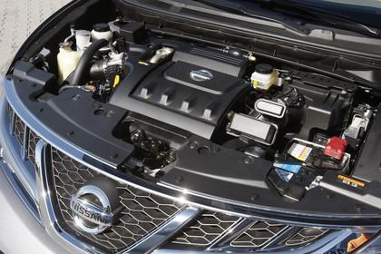 Nissan Murano Z51 Aussenansicht Detail Motorraum statisch schwarz