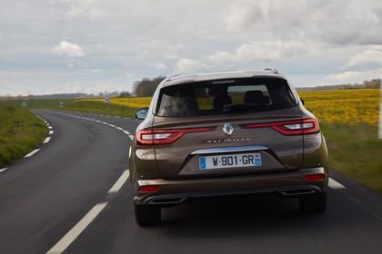 Renault Talisman Grandtourer (RFD) Aussenansicht Heck dynamisch braun