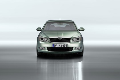 Skoda Ocavia 1Z Facelift Aussenansicht Front Studio statisch hellgrün