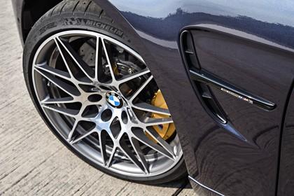 BMW M3 F80 Aussenansicht Seite Detail Kiemen und Felge statisch blaugrau