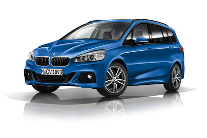 BMW 2er Gran Tourer Aussenansicht Front schräg Studio statisch blau
