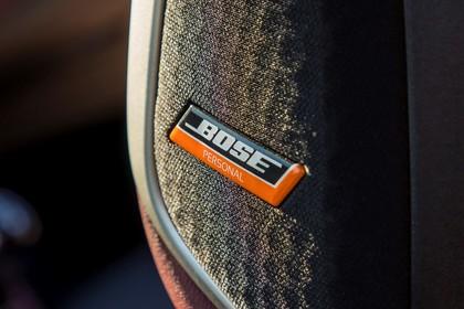 Nissan Micra K14 Innenansicht statisch Detail Bose Lautsprecher