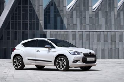 Citroën DS4 Aussenansicht Seite schräg statisch weiss