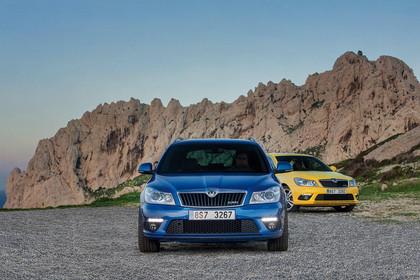 Skoda Octavia RS 1Z Combi Aussenansicht Front blau gelb