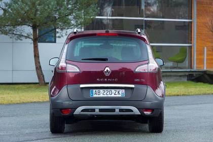 Renault Scenic XMOD JZ Facelift Aussenansicht Heck statisch rot