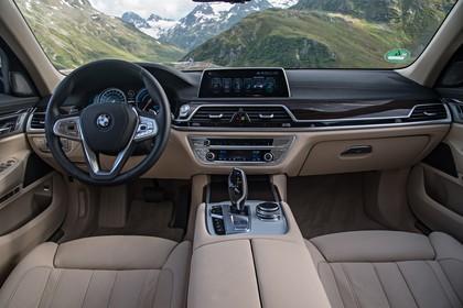 BMW 7er G11/G12 Innenansicht zentral statisch beige