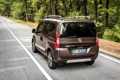 Fiat Qubo Trekking 225 Aussenansicht Heck schräg dynamisch braun