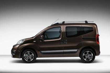 Fiat Qubo Trekking 225 Aussenansicht Seite statisch Studio braun