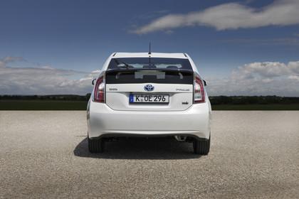 Toyota Prius ZVW30 Facelift Aussenansicht Heck statisch weiss