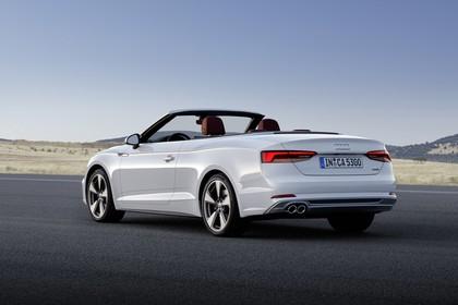 Audi A5 Cabriolet Aussenansicht Heck schräg statisch weiss