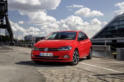 VW Polo AW Aussenansicht Front schräg statisch rot