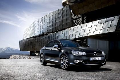 Citroën C5 R Aussenansicht Front schräg statisch schwarz