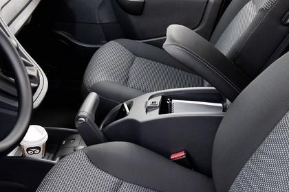 Mercedes-Benz Citan Kastenwagen W415 Innenansicht statisch Vordersitze und Mittelkonsole fahrerseitig