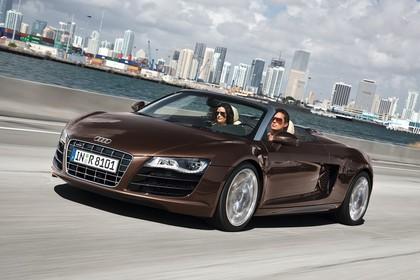 Audi R8 Aussenansicht Front dynamisch braun