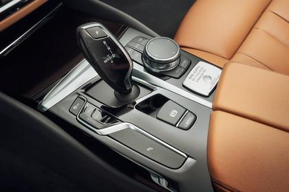 ALPINA D5 S G30 Innenansicht statisch Detail Mittelkonsole