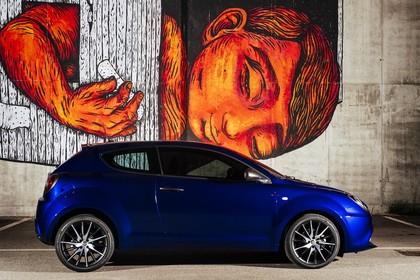 Alfa Romeo Mito 955 Aussenansicht Seite statisch blau
