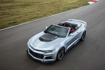 Chevrolet Camaro ZL1 Cabrio Aussenansicht Front schräg erhöht dynamisch silber