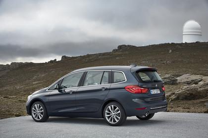 BMW 2er Gran Tourer Aussenansicht Seite schräg statisch grau