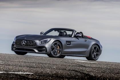 Mercedes-AMG GT C Roadster C190 Aussenansicht Front schräg statisch grau
