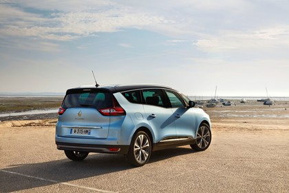 Renault Grand Scenic RFA Aussenansicht Heck schräg statisch blau