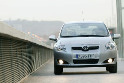 Toyota Auris Fünftürer E15 Aussenansicht Front statisch silber