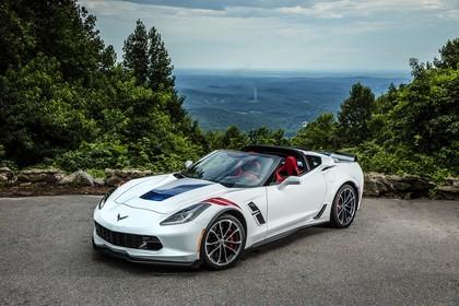 Chevrolet Corvette Grand Sport Cabrio AussenansichtFront schräg statisch weiss