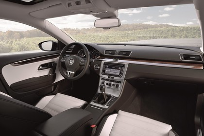 VW CC Innenansicht Beifahrerposition statisch beige