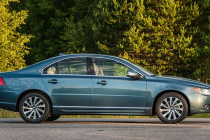 Volvo S80 AS Facelift Aussenansicht Seite statisch blau