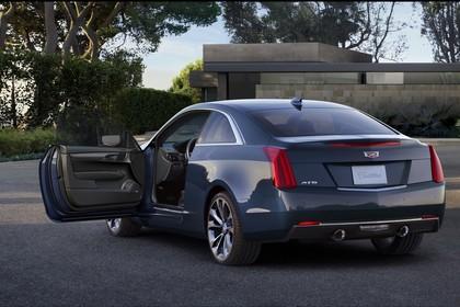 Cadillac ATS Coupé Aussenansicht Heck schräg statisch grau
