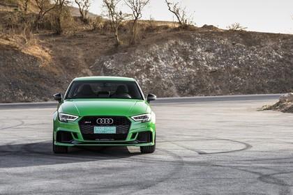 Audi RS3 Aussenansicht Front statisch grün