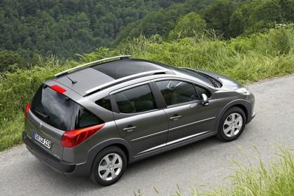 Peugeot 207 SW W Aussenansicht Seite schräg erhöht grau