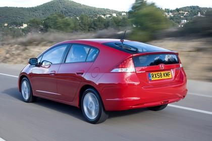 Honda Insight Aussenansicht Heck schräg dynamisch rot