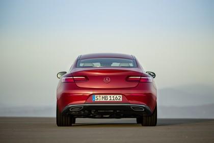 Mercedes E-Klasse Coupé C238 Aussenansicht Heck statisch rot