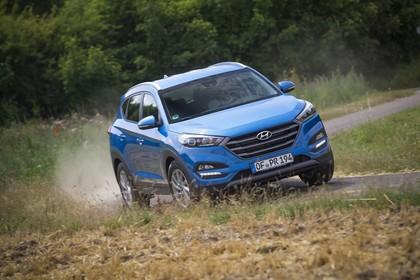Hyundai Tucson TLE Aussenansicht Front schräg dynamisch blau