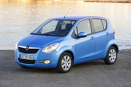 Opel Agila H-B Aussenansicht Front schräg statisch blau
