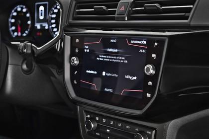 SEAT Ibiza Innenansicht statisch Studio Detail Infotainmentbildschrim