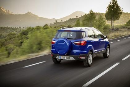 Ford EcoSport B515 Heck schräg dynamisch blau