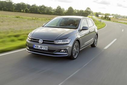 VW Polo AW Aussenansicht Front schräg dynamisch grau