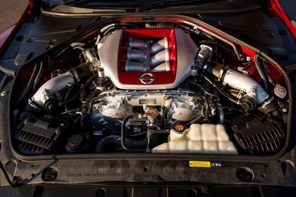 Nissan GT-R R35 Aussenansicht Front statisch Detail Motor