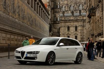 Alfa Romeo 159 Sportswagon Typ 939 Aussenansicht Front schräg statisch schwarz
