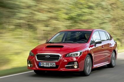 Subaru Levorg Aussenansicht Front schräg dynamisch rot