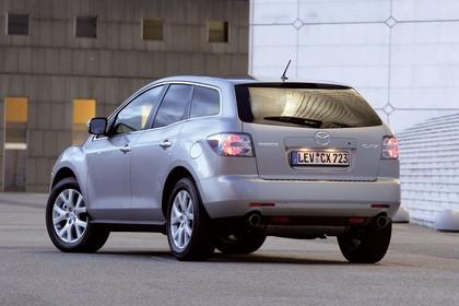 Mazda CX-7 Aussenansicht Heck schräg statisch silber