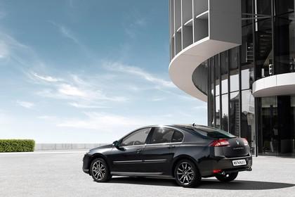 Renault Laguna Limousine T Facelift Aussenansicht Seite schräg statisch schwarz