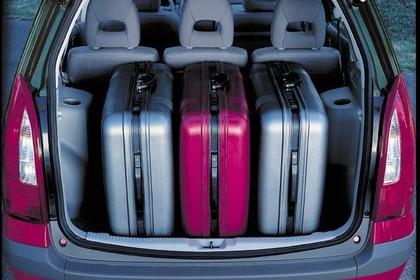 Mazda Premacy CP Innenansicht statisch Kofferraum