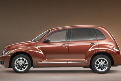 Chrysler PT Cruiser Facelift Aussenansicht Seite statisch Studio braun