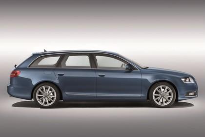 Audi A6 4F Avant Facelift Aussenansicht Seite Studio statisch blau